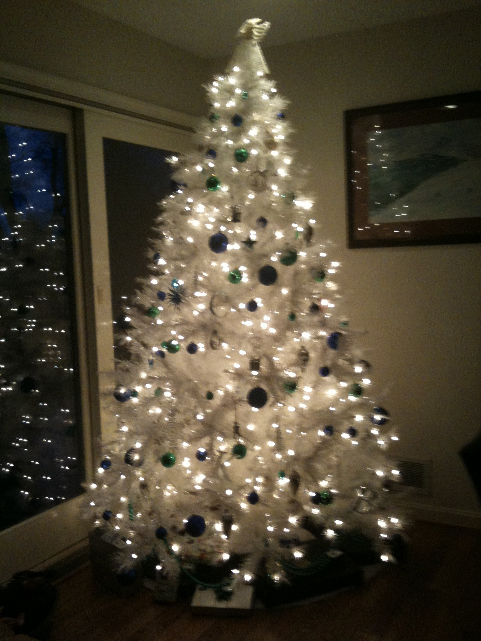 White christmas tree with blue and green decorations - photo#16